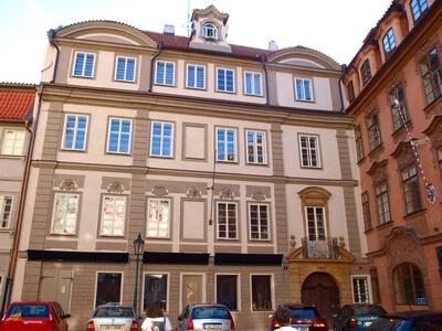 Sterneggovský palác